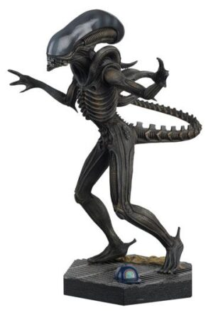 The Alien & Predator Figurine Collection Alien Xenomorph (Alien) 14 cm